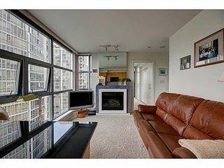 """Photo 3: 1801 989 BEATTY Street in Vancouver: Yaletown Condo for sale in """"THE NOVA"""" (Vancouver West)  : MLS®# V1141722"""