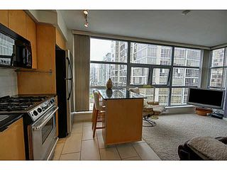 """Photo 6: 1801 989 BEATTY Street in Vancouver: Yaletown Condo for sale in """"THE NOVA"""" (Vancouver West)  : MLS®# V1141722"""