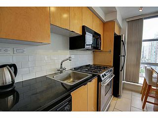 """Photo 8: 1801 989 BEATTY Street in Vancouver: Yaletown Condo for sale in """"THE NOVA"""" (Vancouver West)  : MLS®# V1141722"""