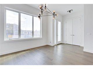 Photo 2: 2615 33 Street SW in Calgary: Killarney/Glengarry House for sale : MLS®# C4030535