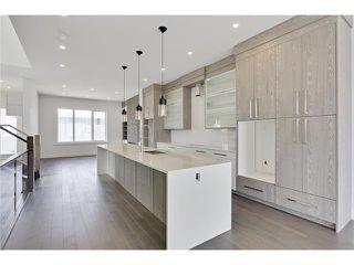 Photo 4: 2615 33 Street SW in Calgary: Killarney/Glengarry House for sale : MLS®# C4030535