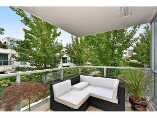 "Photo 12: 202 125 MILROSS Avenue in Vancouver: Mount Pleasant VE Condo for sale in ""CREEKSIDE"" (Vancouver East)  : MLS®# V1142300"