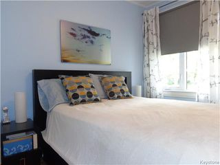 Photo 10: 225 Renfrew Street in WINNIPEG: River Heights / Tuxedo / Linden Woods Residential for sale (South Winnipeg)  : MLS®# 1526469