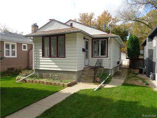 Photo 2: 225 Renfrew Street in WINNIPEG: River Heights / Tuxedo / Linden Woods Residential for sale (South Winnipeg)  : MLS®# 1526469