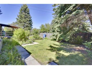 Photo 33: 6444 LAURENTIAN Way SW in Calgary: North Glenmore Park House for sale : MLS®# C4047532