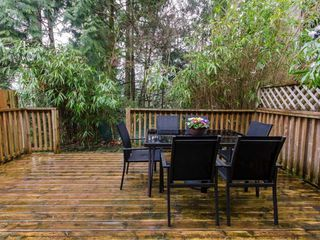 """Photo 7: 1098 PREMIER Street in North Vancouver: Lynnmour Townhouse for sale in """"Lynnmour Village"""" : MLS®# R2031349"""