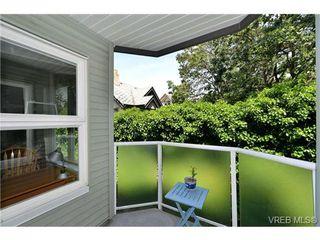 Main Photo: 301 1201 Hillside Avenue in VICTORIA: Vi Hillside Condo Apartment for sale (Victoria)  : MLS®# 366604