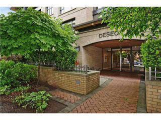 "Photo 1: 302 2226 W 12TH Avenue in Vancouver: Kitsilano Condo for sale in ""DESEO"" (Vancouver West)  : MLS®# R2093014"