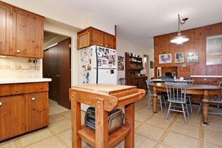 "Photo 10: 754 BLUERIDGE Avenue in North Vancouver: Canyon Heights NV House for sale in ""CANYON HEIGHTS"" : MLS®# R2121180"