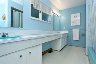 "Photo 17: 754 BLUERIDGE Avenue in North Vancouver: Canyon Heights NV House for sale in ""CANYON HEIGHTS"" : MLS®# R2121180"