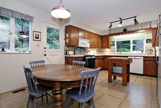 "Photo 8: 754 BLUERIDGE Avenue in North Vancouver: Canyon Heights NV House for sale in ""CANYON HEIGHTS"" : MLS®# R2121180"