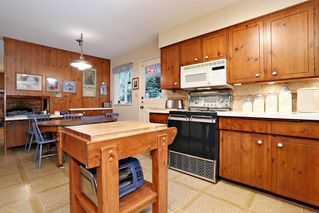 "Photo 9: 754 BLUERIDGE Avenue in North Vancouver: Canyon Heights NV House for sale in ""CANYON HEIGHTS"" : MLS®# R2121180"