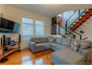 Photo 3: 934 Green Street in VICTORIA: Vi Central Park Single Family Detached for sale (Victoria)  : MLS®# 373929
