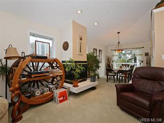 Photo 5: 388 Crystalview Terrace in VICTORIA: La Atkins Single Family Detached for sale (Langford)  : MLS®# 374503
