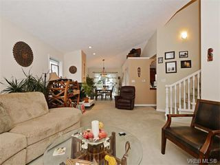Photo 3: 388 Crystalview Terrace in VICTORIA: La Atkins Single Family Detached for sale (Langford)  : MLS®# 374503