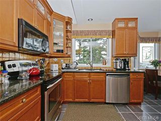 Photo 8: 388 Crystalview Terrace in VICTORIA: La Atkins Single Family Detached for sale (Langford)  : MLS®# 374503