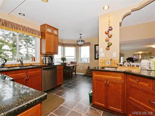 Photo 7: 388 Crystalview Terrace in VICTORIA: La Atkins Single Family Detached for sale (Langford)  : MLS®# 374503