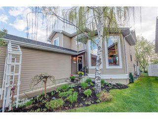 Photo 3: 85 SUNMEADOWS Crescent SE in Calgary: Sundance House for sale : MLS®# C4115750