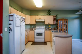 Photo 9: 6736 184 STREET in Surrey: Cloverdale BC House 1/2 Duplex for sale (Cloverdale)  : MLS®# R2180255