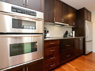 Photo 8: 304 788 Humboldt St in VICTORIA: Vi Downtown Condo for sale (Victoria)  : MLS®# 769896