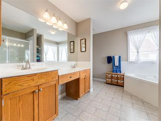 Photo 17: 57 ROCKBLUFF PL NW in Calgary: Rocky Ridge House for sale : MLS®# C4113823