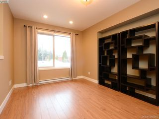 Photo 9: 3207 Ernhill Place in VICTORIA: La Walfred Townhouse for sale (Langford)  : MLS®# 386345