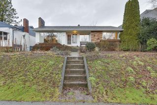 Photo 1: 4041 W 29TH Avenue in Vancouver: Dunbar House for sale (Vancouver West)  : MLS®# R2233085