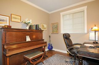 Photo 13: 10572 ROBERTSON Street in Maple Ridge: Albion House for sale : MLS®# R2238484