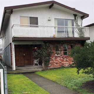 Photo 1: 2236 E 34TH Avenue in Vancouver: Victoria VE House for sale (Vancouver East)  : MLS®# R2244027