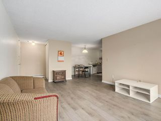 Photo 1: 303 7200 LINDSAY Road in Richmond: Granville Condo for sale : MLS®# R2248675