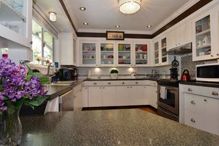 """Photo 7: 33303 PLAXTON Crescent in Abbotsford: Central Abbotsford House for sale in """"MILL LAKE"""" : MLS®# R2261575"""