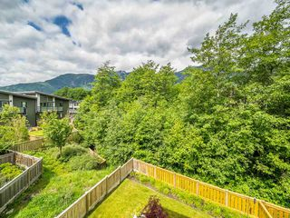 "Photo 3: 38365 SUMMIT'S VIEW Drive in Squamish: Downtown SQ Townhouse for sale in ""The Falls"" : MLS®# R2278047"