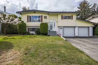 Photo 1: 8685 BAKER Drive in Chilliwack: Chilliwack E Young-Yale House for sale : MLS®# R2304512