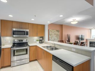 """Photo 9: 1304 295 GUILDFORD Way in Port Moody: North Shore Pt Moody Condo for sale in """"BENTLEY"""" : MLS®# R2305378"""