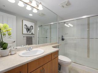 """Photo 12: 1304 295 GUILDFORD Way in Port Moody: North Shore Pt Moody Condo for sale in """"BENTLEY"""" : MLS®# R2305378"""