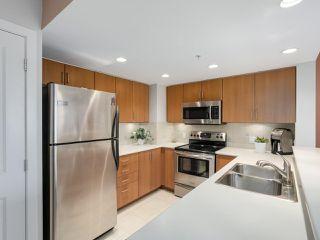 """Photo 8: 1304 295 GUILDFORD Way in Port Moody: North Shore Pt Moody Condo for sale in """"BENTLEY"""" : MLS®# R2305378"""