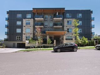 Main Photo: 404 12310 222 Street in Maple Ridge: West Central Condo for sale : MLS®# R2324214