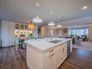 Photo 3: 6165 BAILLIE Road in Sechelt: Sechelt District House for sale (Sunshine Coast)  : MLS®# R2331317