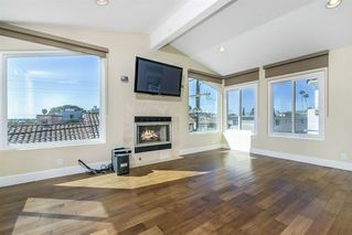 Photo 5: CROWN POINT Condo for sale : 3 bedrooms : 3966 Haines St in San Diego