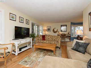 Photo 3: 204 1527 Coldharbour Rd in VICTORIA: Vi Jubilee Condo for sale (Victoria)  : MLS®# 809505