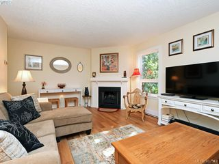 Photo 2: 204 1527 Coldharbour Rd in VICTORIA: Vi Jubilee Condo for sale (Victoria)  : MLS®# 809505