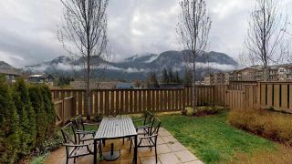 Photo 1: 38348 EAGLEWIND Boulevard in Squamish: Downtown SQ Townhouse for sale : MLS®# R2356405