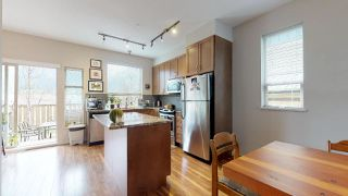 Photo 3: 38348 EAGLEWIND Boulevard in Squamish: Downtown SQ Townhouse for sale : MLS®# R2356405