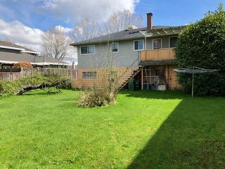 "Photo 4: 8671 ELSMORE Road in Richmond: Seafair House for sale in ""GILMORE PARK"" : MLS®# R2358002"