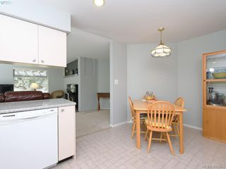 Photo 9: 1790 Fairfax Pl in NORTH SAANICH: NS Dean Park Single Family Detached for sale (North Saanich)  : MLS®# 810796