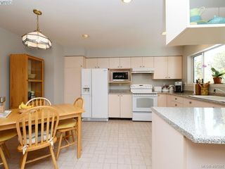Photo 7: 1790 Fairfax Pl in NORTH SAANICH: NS Dean Park Single Family Detached for sale (North Saanich)  : MLS®# 810796