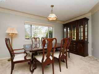 Photo 5: 1790 Fairfax Pl in NORTH SAANICH: NS Dean Park Single Family Detached for sale (North Saanich)  : MLS®# 810796