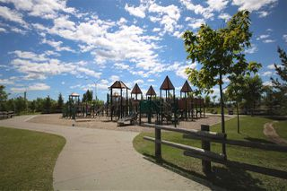 Photo 3: 306 JILLINGS Crescent in Edmonton: Zone 29 House for sale : MLS®# E4152578