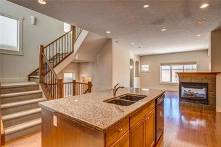 Photo 3: 2229 31 Street SW in Calgary: Killarney/Glengarry Semi Detached for sale : MLS®# C4236943