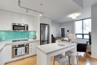 "Main Photo: 401 531 BEATTY Street in Vancouver: Downtown VW Condo for sale in ""Metro Living"" (Vancouver West)  : MLS®# R2361497"